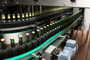 applying-craft-beer-labels